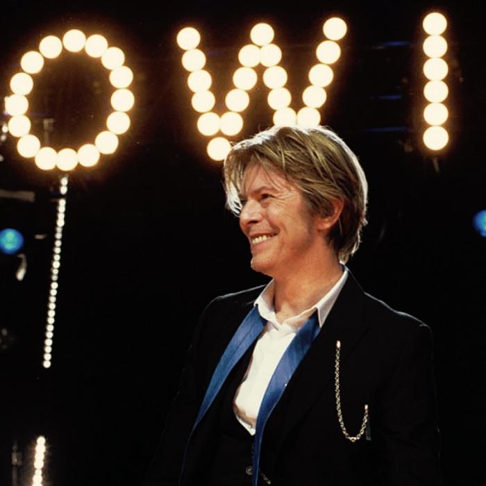 David-Bowie_Chicago_2002-08-08_photoby_Adam-Bielawski - instagram